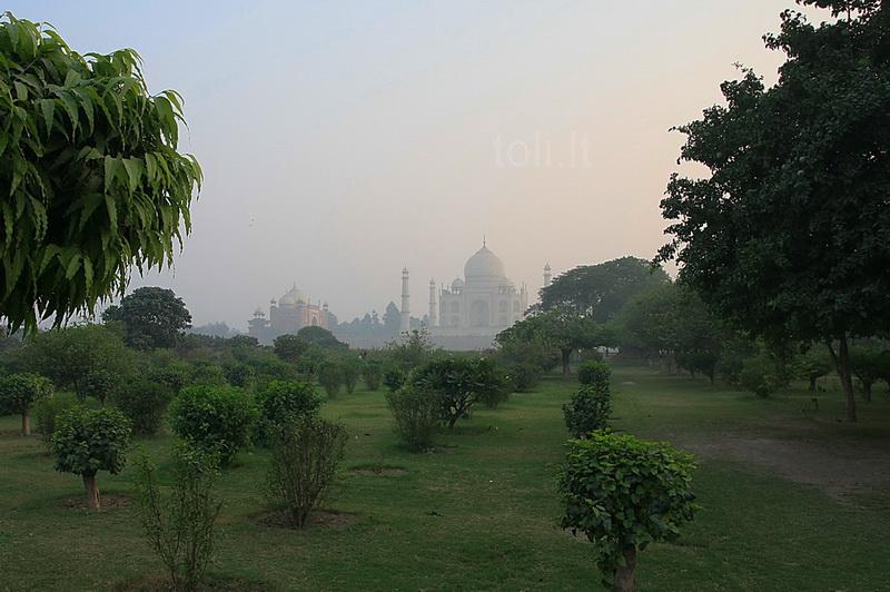 Ten jis, didingasis Tadž Mahalis...